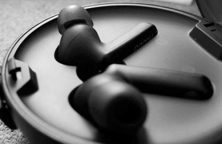 Pamu Quiet tai nghe True-Wireless chống ồn chủ động, sử dụng các chip đầu bảng, giá rẻ 3tr8